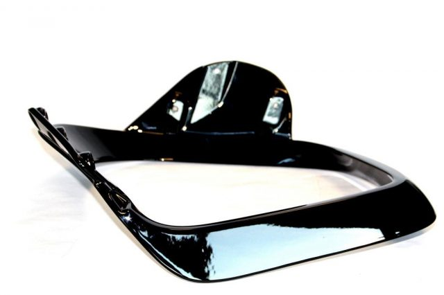 Druckguss Aluminium, Schwarz Hochglanz beschichtet, Stuhl-Armlehne