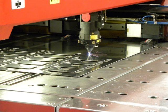 Stöckli Metall Laserschneiden CNC-Maschine