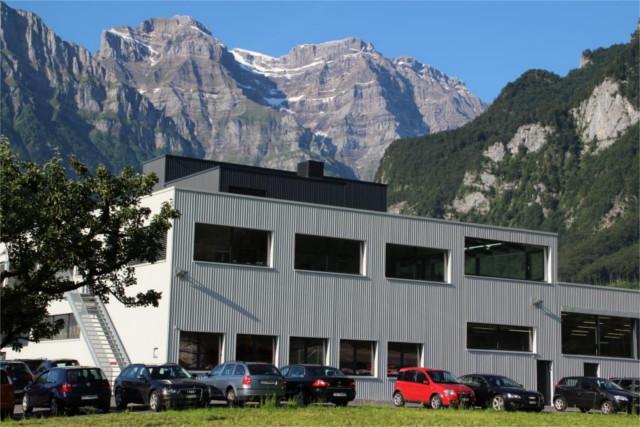Stöckli Metall Co2-neutrales Produktions- und Bürogebäude im schweizerischen Glarnerland