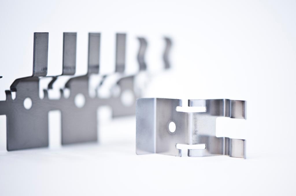 Stanzen: Metall-Teil gestanzt und gebogen