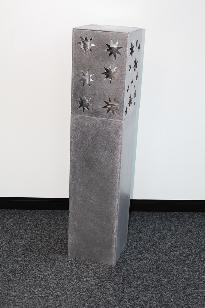 Kerzenstaender Chromstahl Laser Schleifen