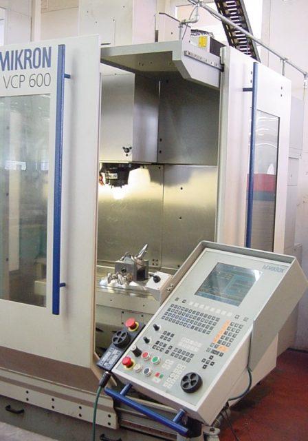 Stöckli Metall Fräsmaschine