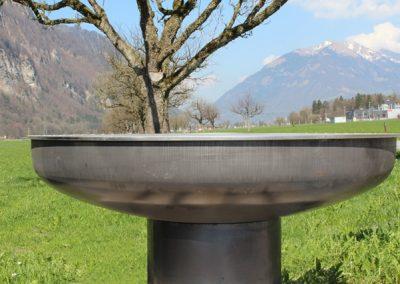 Feuerschale - auch zum grillieren. Aus Stahl und Chromstahl