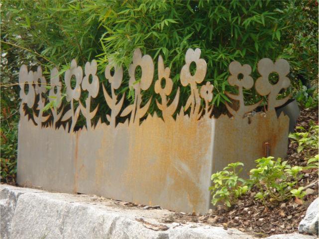 Gartenblech Blume, Deko/Sichtschutz aus rostigem Metall
