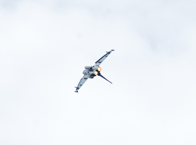 Kampfjet am Himmel